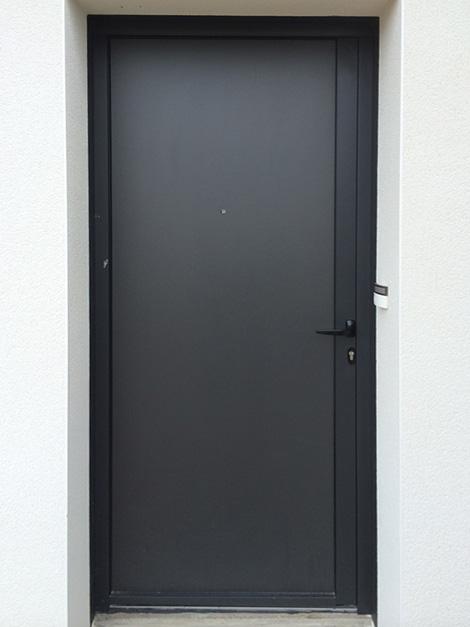 Porte d'entrée Aluminium réalisée à Pluvigner