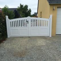 Portail PVC Cadre intégré Locmariaquer