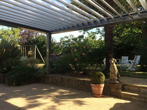 Pergola bio-climatique réalisée à Auray