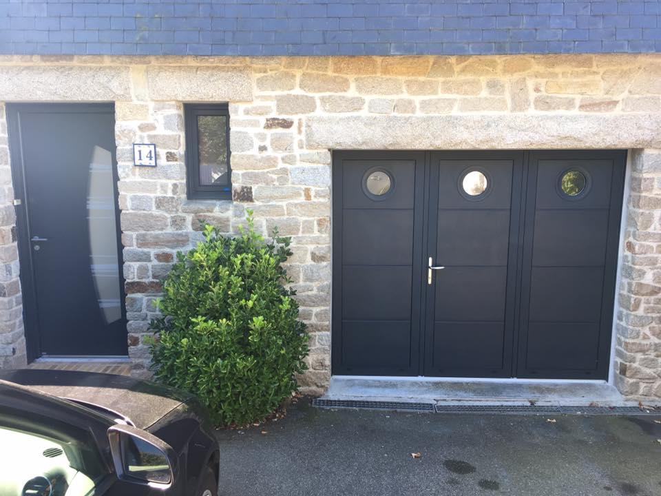 porte de garage et porte d'entrée réalisées à Auray